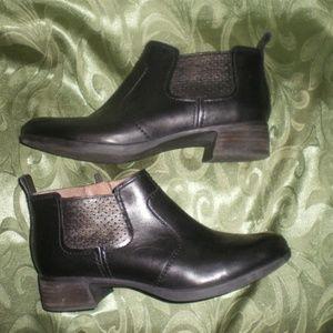 Beautiful Dansko Black Leather Ankle Boots sz 39